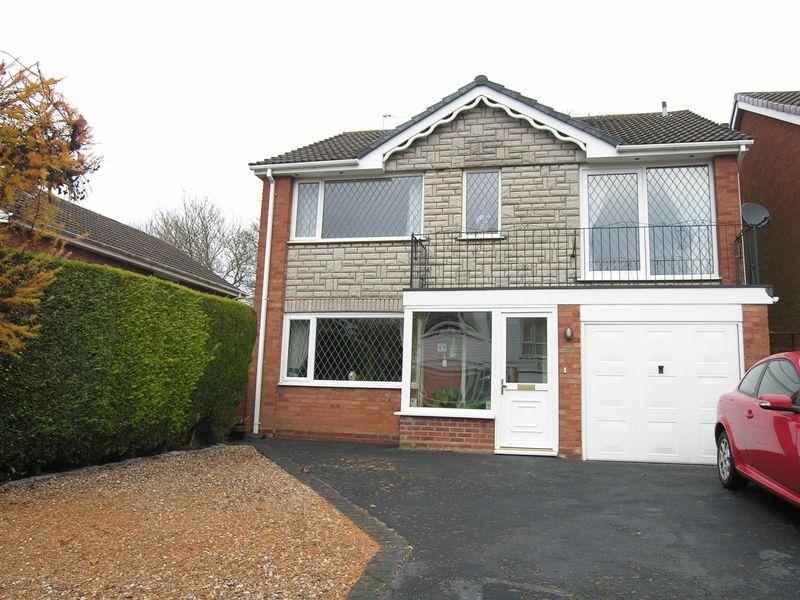 4 Bedrooms Detached House for sale in Newquay Road, Park Hall