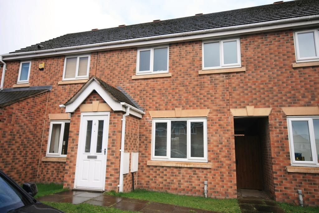 3 Bedrooms Semi Detached House for rent in Fowler Close, Crewe