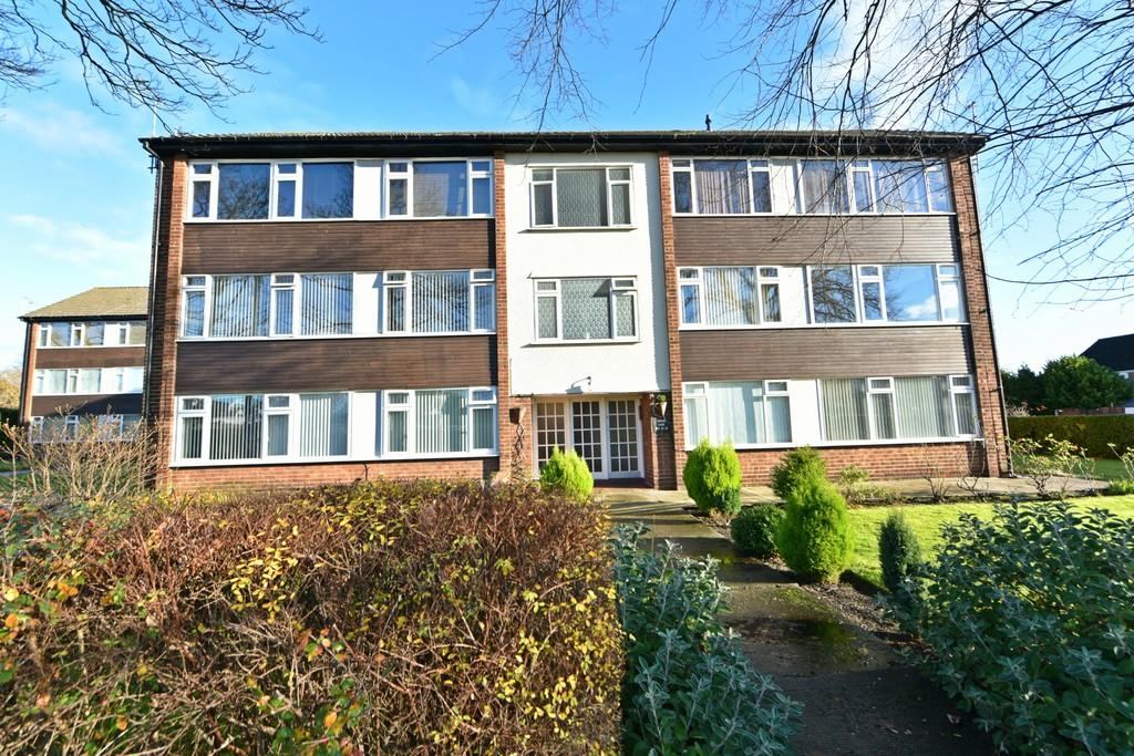 2 Bedrooms Apartment Flat for sale in Middlewood Road, Aughton