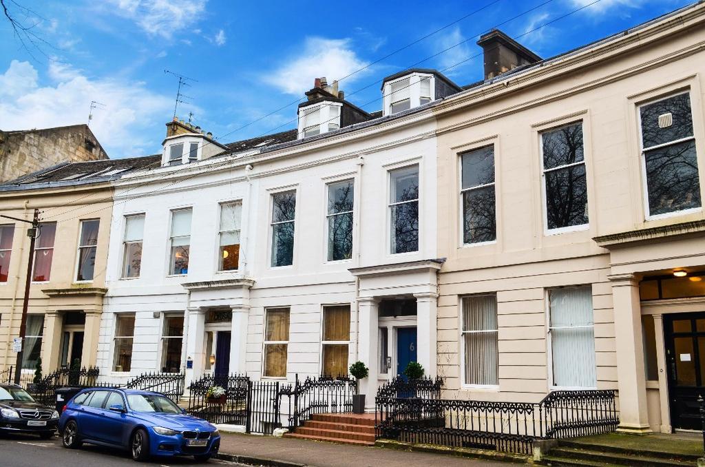 3 Bedrooms Flat for sale in Queens Crescent, Top Floor, Woodlands, Glasgow, G4 9BW