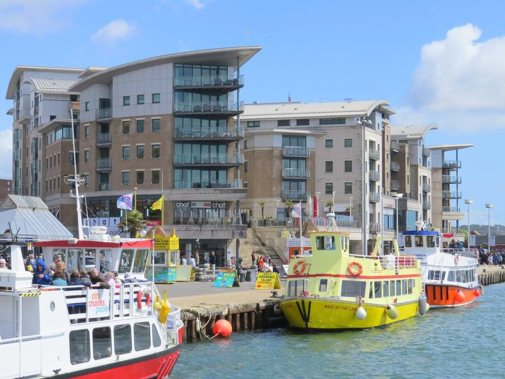 2 Bedrooms Apartment Flat for sale in Dolphin Quays, The Quay, Poole, Dorset
