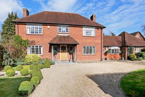 5 bedroom detached house to rent - Penington Road, Beaconsfield