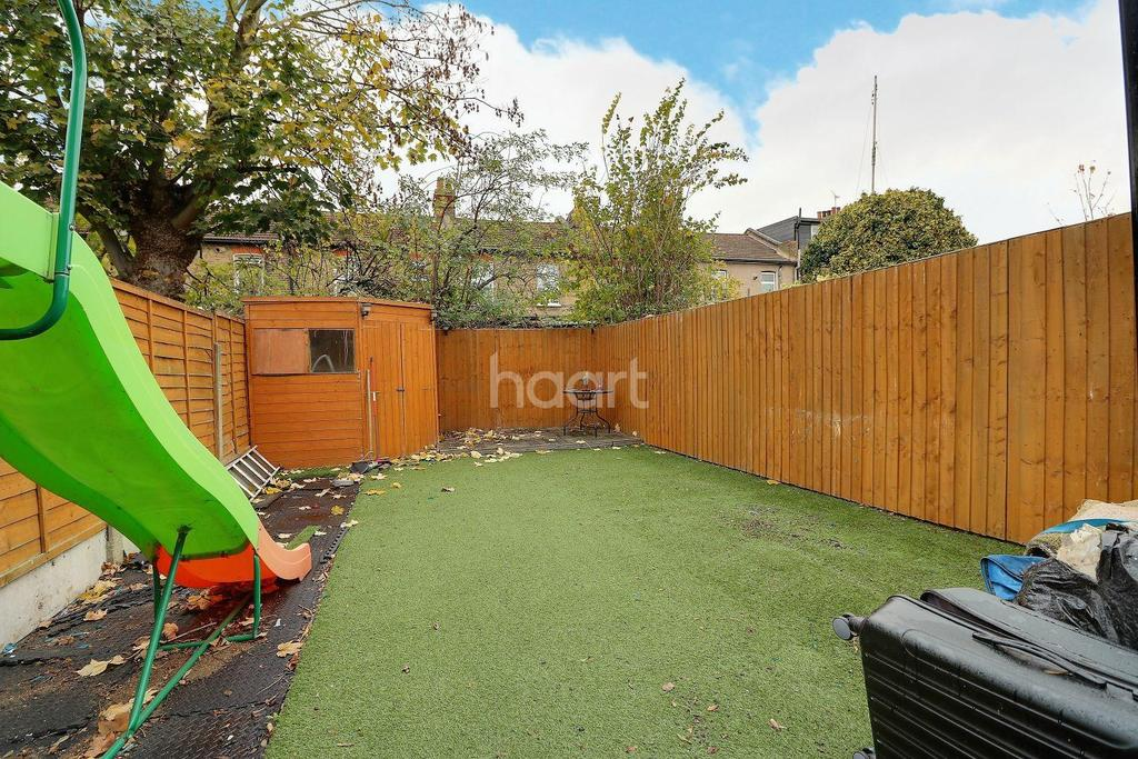 2 Bedrooms End Of Terrace House for sale in Kingston Road, Ilford, Essex
