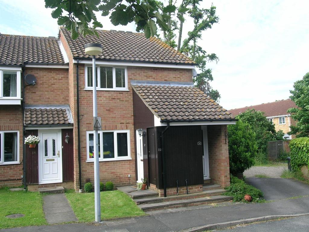 1 Bedroom House for sale in Hampden Close, NortnWeald, Epping