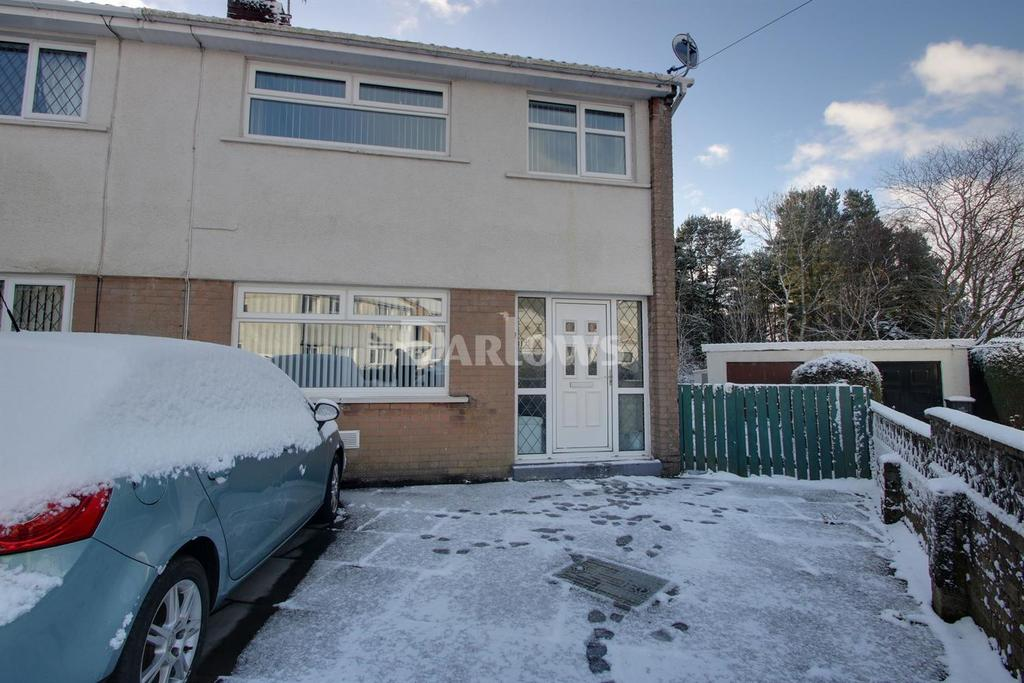 3 Bedrooms Semi Detached House for sale in Garth Danybryn, Beaufort, Ebbw Vale, Gwent