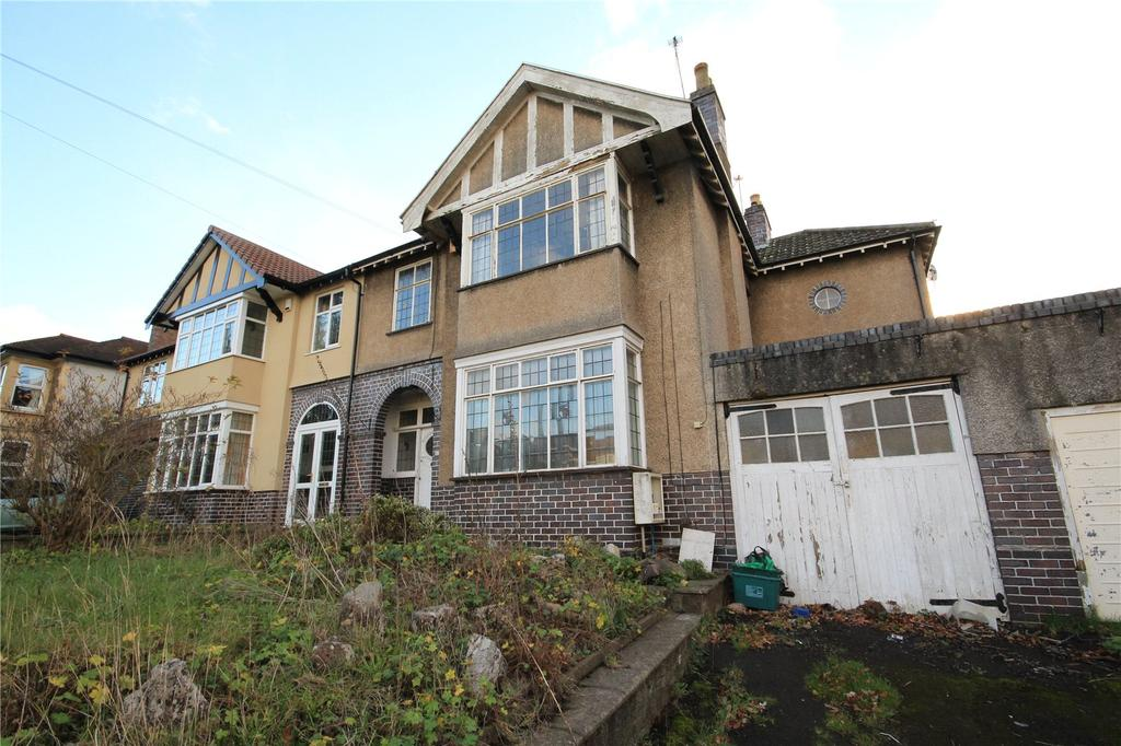 4 Bedrooms Semi Detached House for sale in Cleeve Hill, Downend, Bristol, BS16