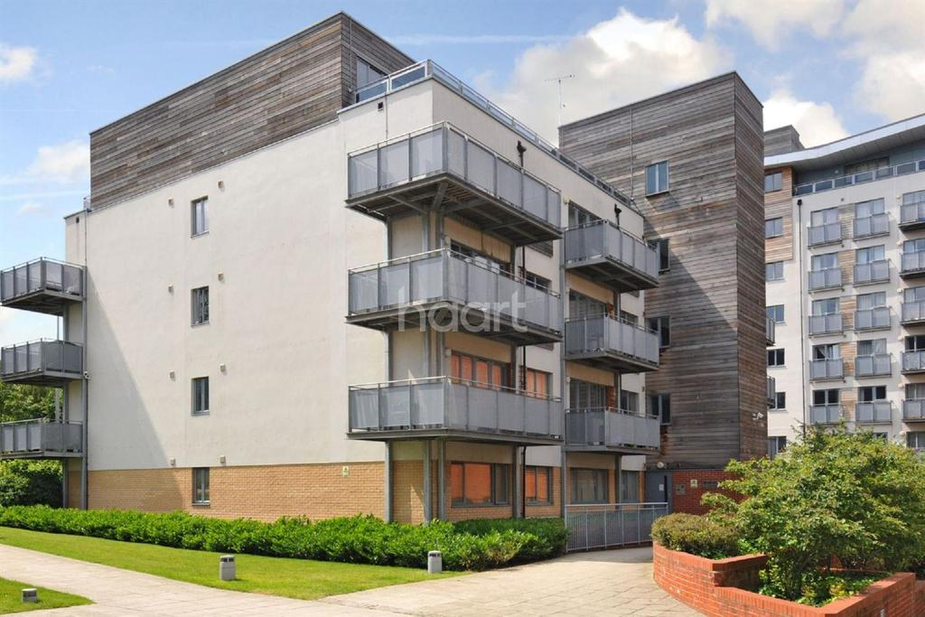 1 Bedroom Flat for sale in Azure House, NW10