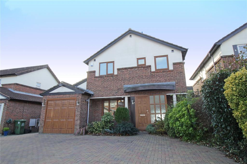 3 Bedrooms Detached House for sale in Ilmington Drive, Basildon, Essex, SS13
