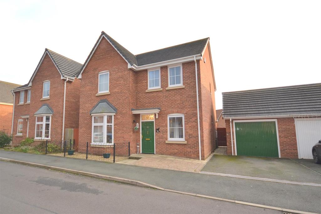 4 Bedrooms Detached House for sale in Sutton Avenue, Heritage Park, Silverdale, Newcastle