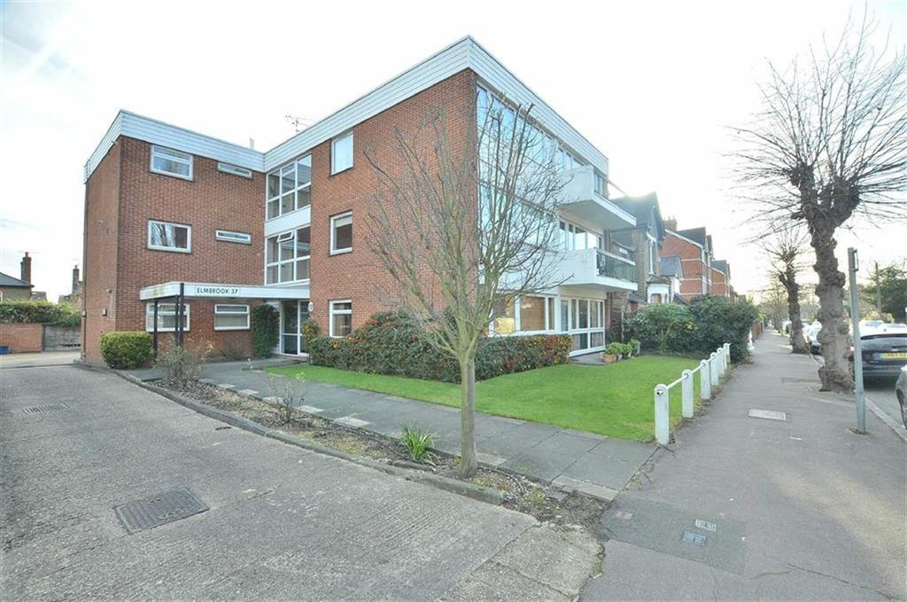 2 Bedrooms Flat for rent in Elmbrook, South Woodford, London