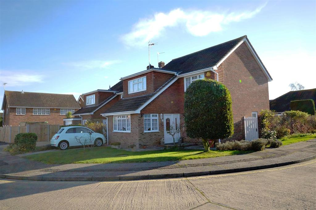 4 Bedrooms Detached House for sale in Orchid Place, South Woodham Ferrers