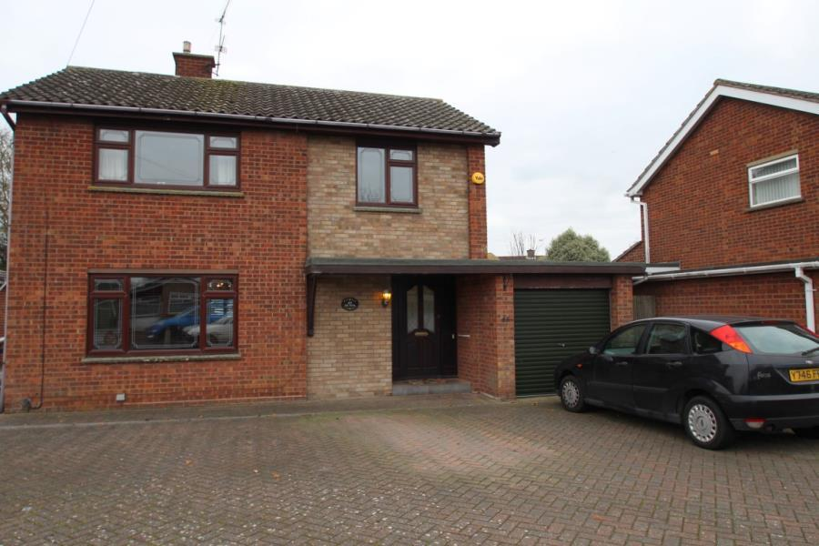 3 Bedrooms Detached House for sale in St, Christophers Road