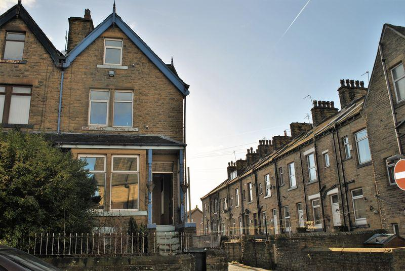 3 Bedrooms Terraced House for sale in New Hey Road, East Bowling, BD4 7LD