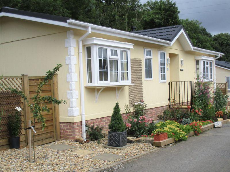 2 Bedrooms Park Home Mobile Home for sale in Rippling Beck , Harden Bingley Park, Bingley