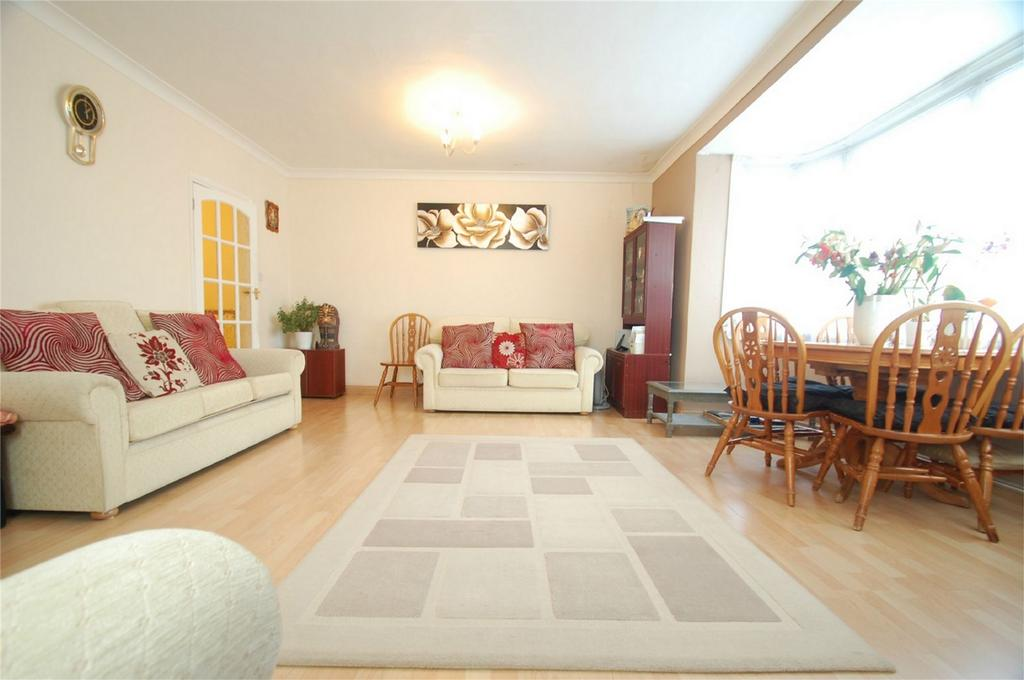 3 Bedrooms Maisonette Flat for sale in Napier Road, Gillingham, Kent