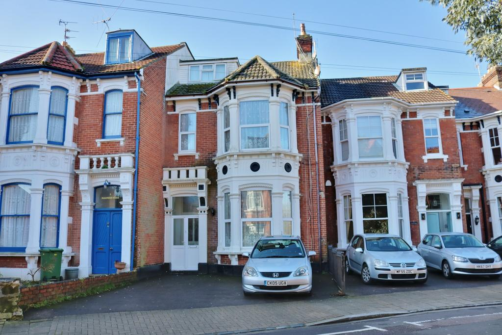6 Bedrooms Terraced House for sale in Malvern Road, Southsea