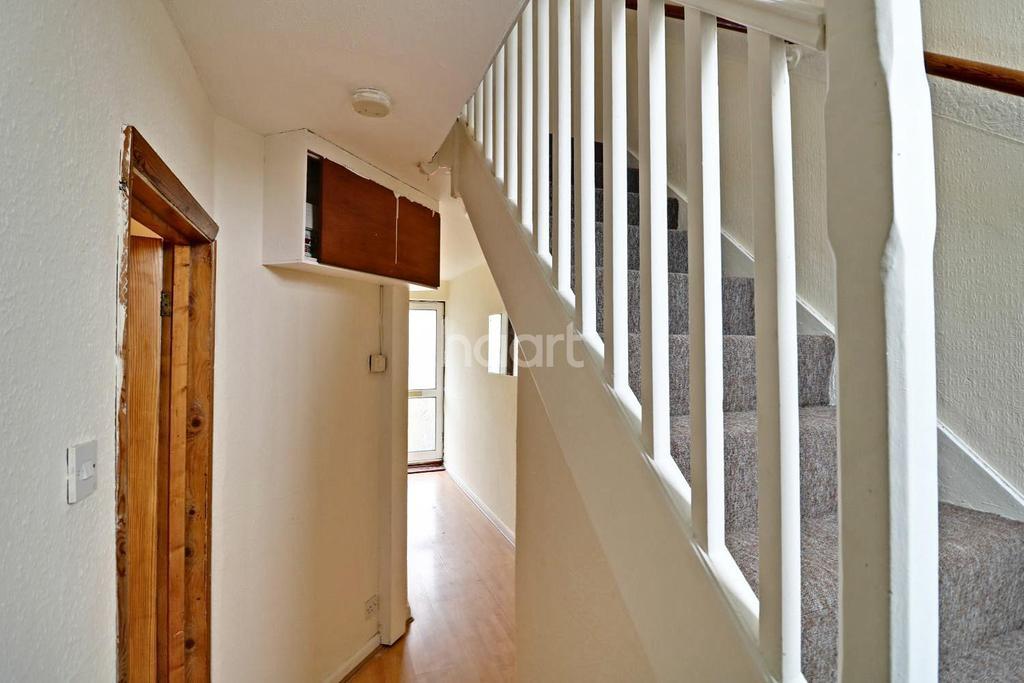 2 Bedrooms Terraced House for sale in Grange Road, Edgware