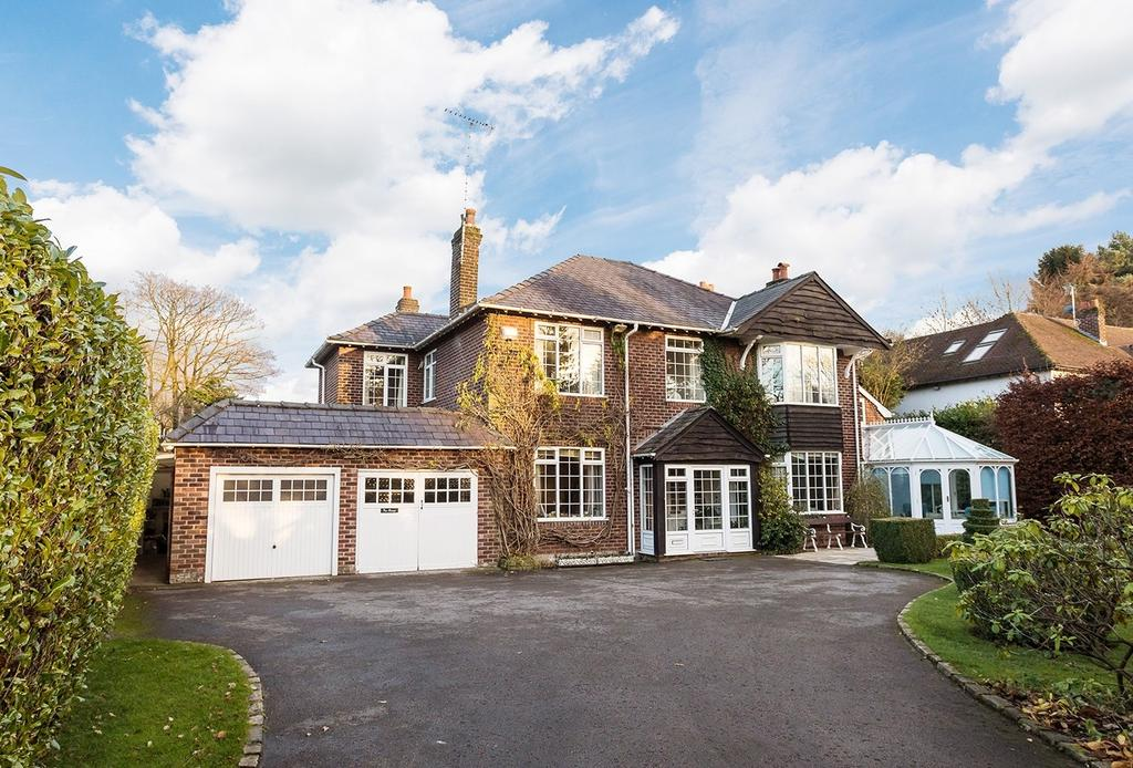5 Bedrooms Detached House for sale in Heybridge Lane, Prestbury