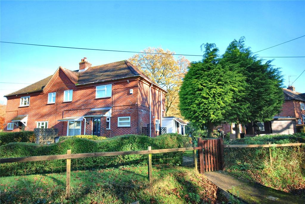 3 Bedrooms Semi Detached House for sale in St. Georges Cottages, Hale, Fordingbridge, Hampshire, SP6