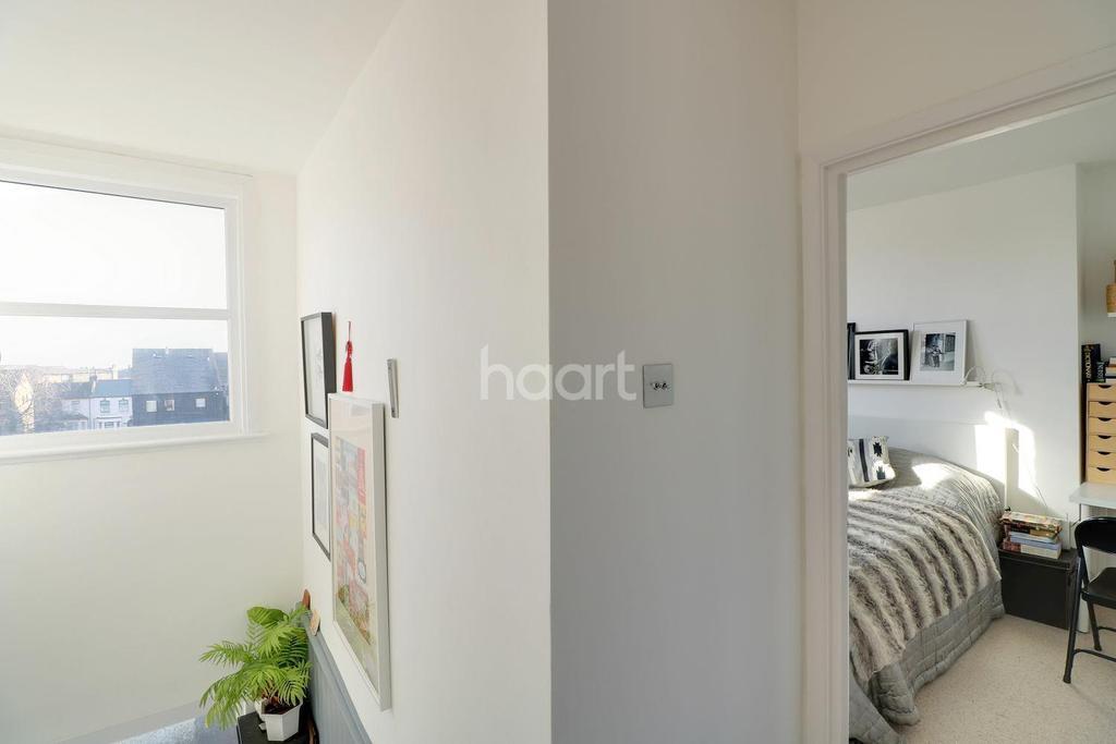 1 Bedroom Flat for sale in Ashbourne House, North Birkbeck Road