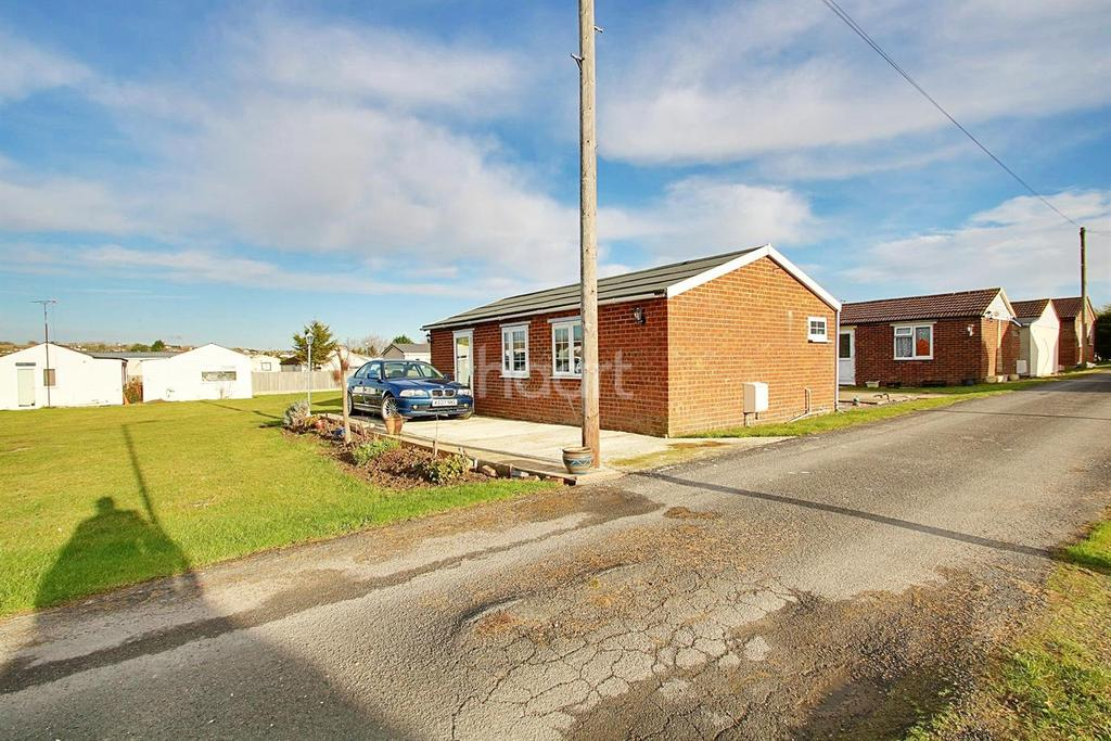 2 Bedrooms Bungalow for sale in Warden Bay, Isle of Sheppey