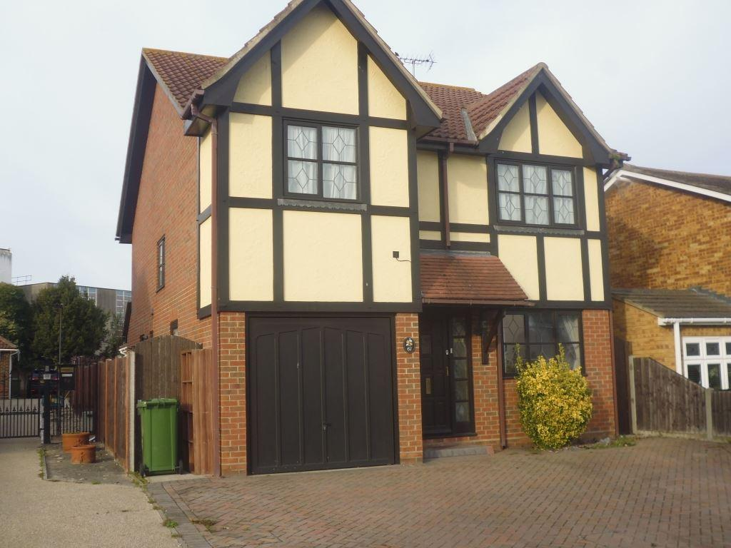 4 Bedrooms House for rent in Wickford - 4 Bedroom