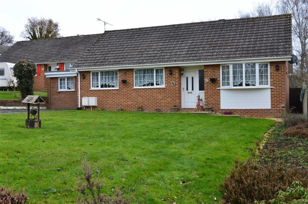 4 Bedrooms Detached Bungalow for sale in Ashmeads Close, Wimborne, Dorset
