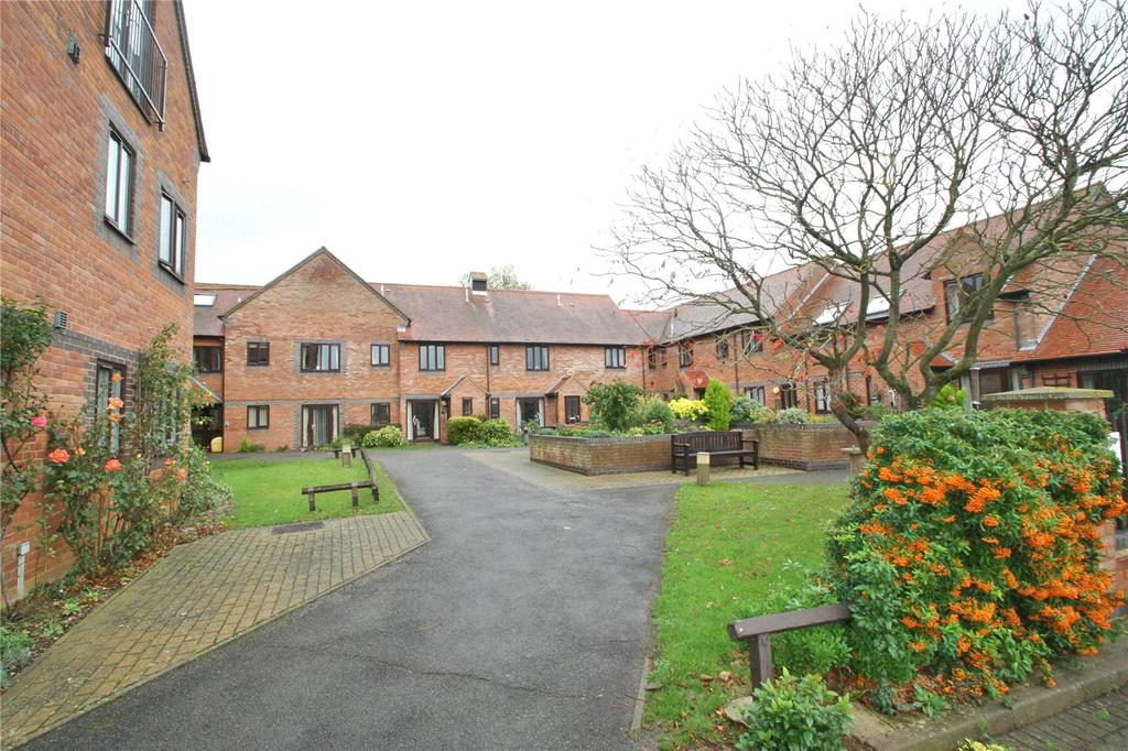 2 Bedrooms Apartment Flat for sale in Sharman Beer Court, Thame, OX9