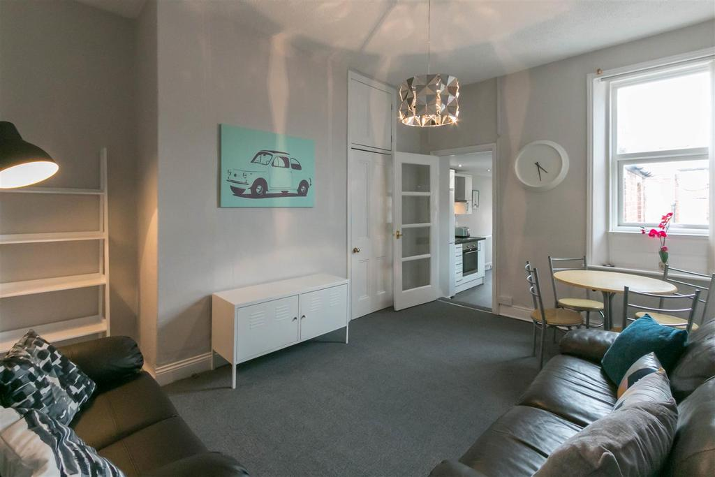 3 Bedrooms Flat for rent in Bayswater Road, Newcastle Upon Tyne