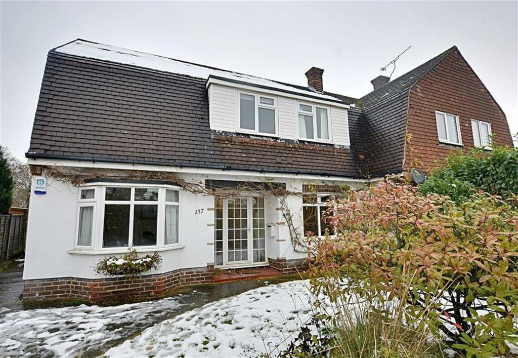 3 Bedrooms Semi Detached House for sale in The Avenue, Bengeo, Herts, SG14