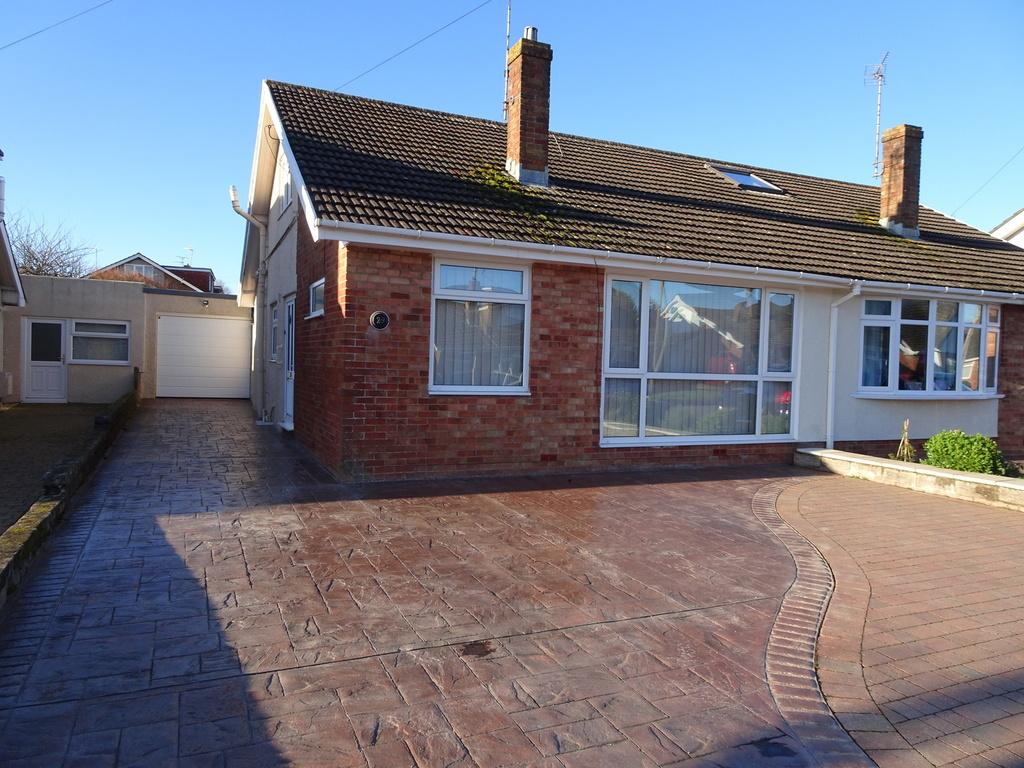 2 Bedrooms Semi Detached Bungalow for sale in GLYNSTELL ROAD, NOTTAGE, PORTHCAWL, CF36 3NN