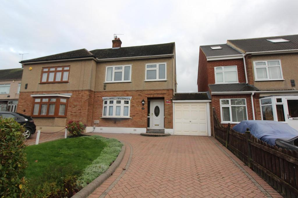 3 Bedrooms Semi Detached House for rent in Sackville Crescent, Romford, RM3