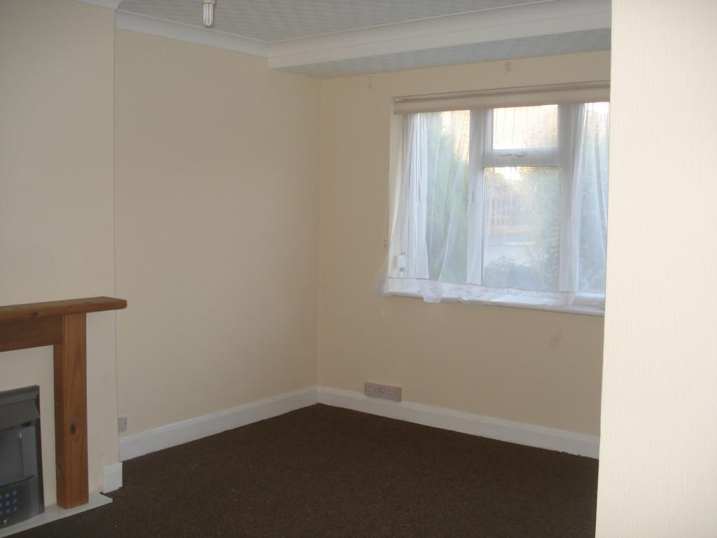 3 Bedrooms Apartment Flat for rent in The Alders, West Wickham, BR4