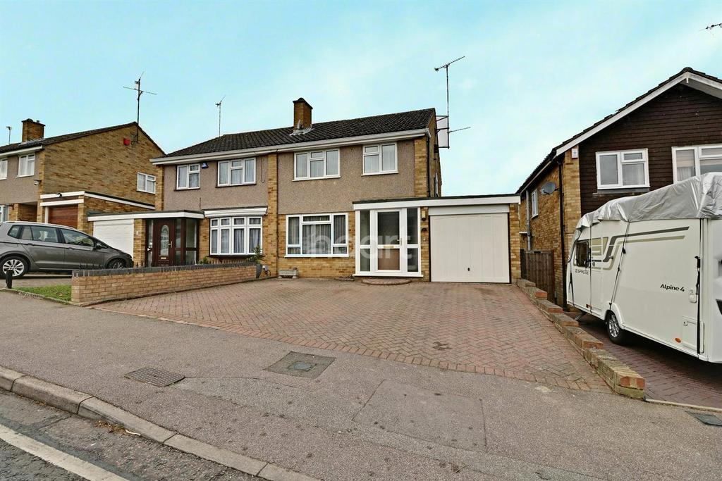 3 Bedrooms Semi Detached House for sale in Butely Road, LU4