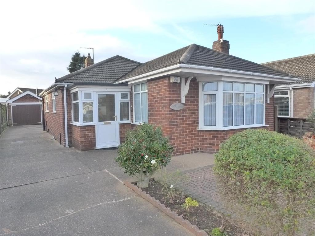 3 Bedrooms Detached Bungalow for sale in Bedford Road, Cleethorpes