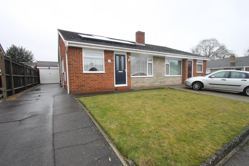 2 Bedrooms Bungalow for sale in Caroline Crescent, Maidstone