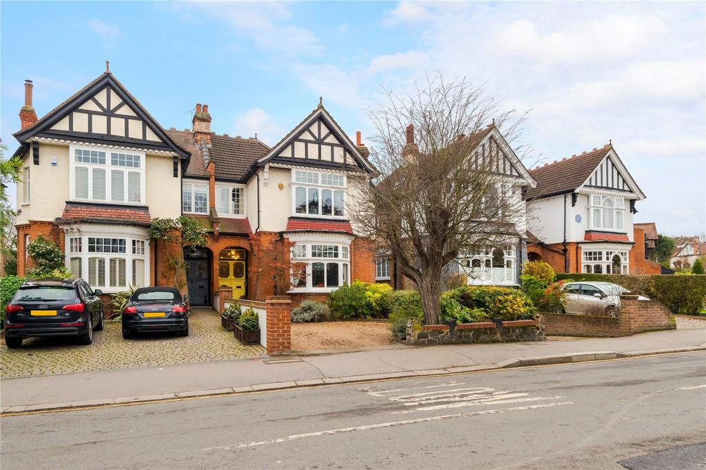 4 Bedrooms Semi Detached House for sale in Monkhams Avenue, Woodford Green, Essex, IG8