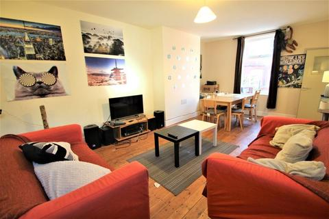 5 bedroom semi-detached house to rent - Burley Lodge Road, Hyde Park, Leeds, LS6 1QF