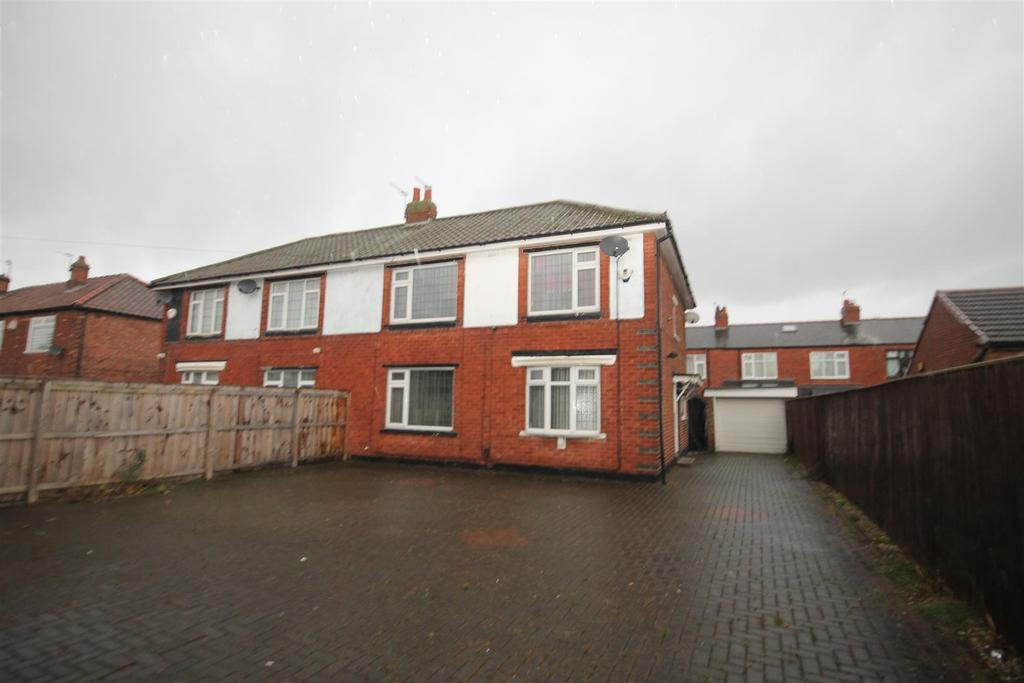 3 Bedrooms Semi Detached House for sale in Green Lane, Middlesbrough