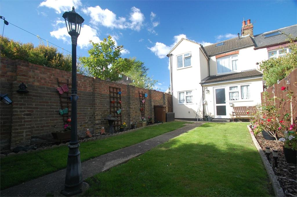 3 Bedrooms End Of Terrace House for sale in Third Avenue, Gillingham, ME7