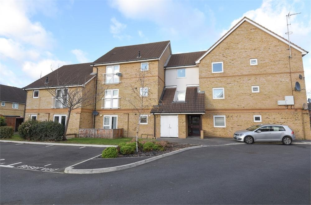 2 Bedrooms Flat for sale in Marquis Court, Yeoman Drive, Ashford, Surrey