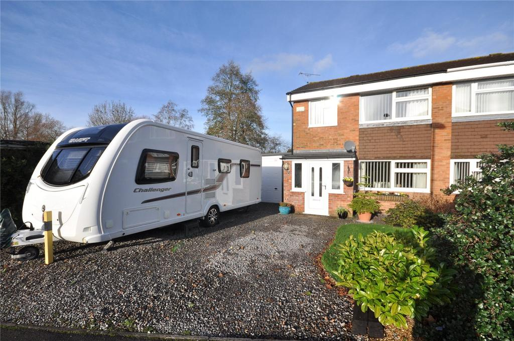 3 Bedrooms Semi Detached House for sale in Austen Crescent, Liden, Swindon, Wiltshire, SN3