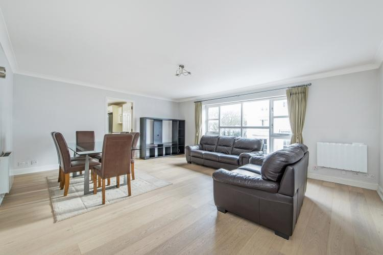 Gloucester terrace london w2 3 bed flat 3 467 pcm 800 pw for 18 leinster terrace london w2 3et
