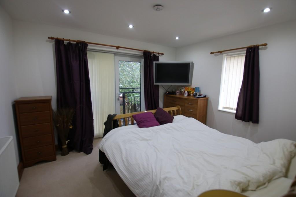 4 Bedrooms Semi Detached House for sale in Bank Lane, Shadsworth, Blackburn