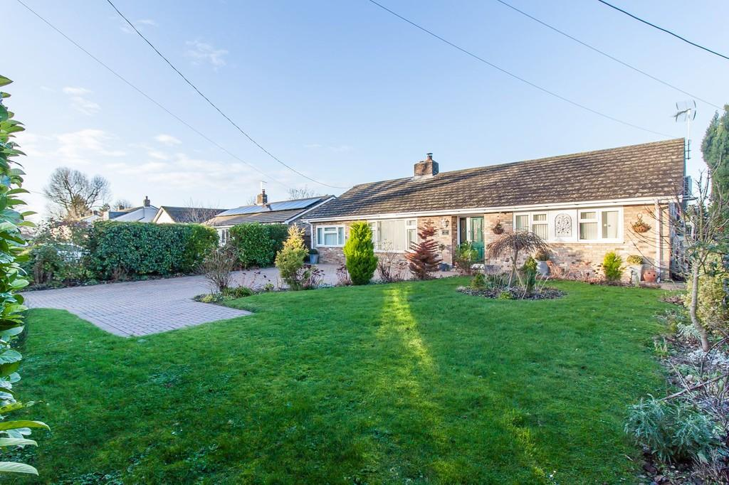 4 Bedrooms Detached Bungalow for sale in Fox Road, Balsham