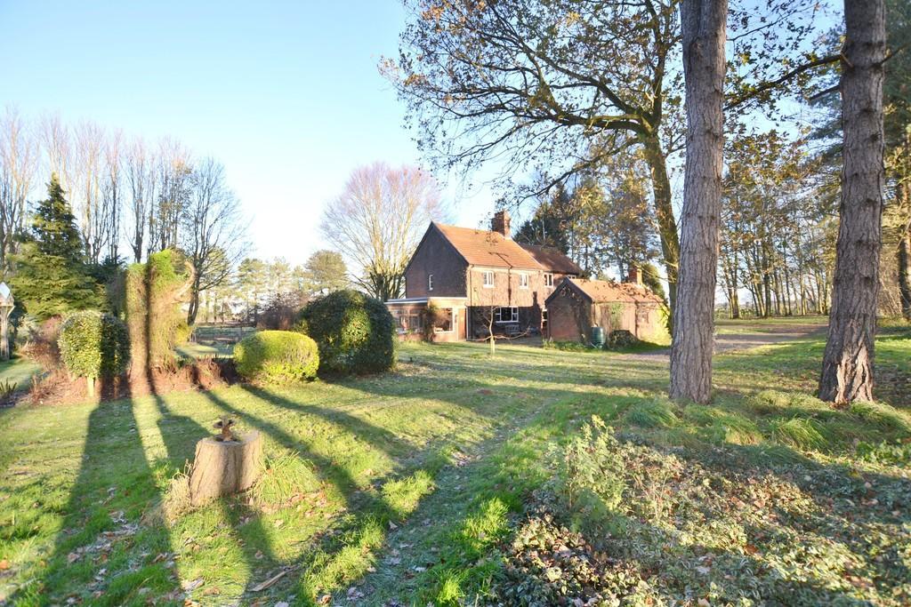 4 Bedrooms Detached House for sale in Garboldisham, Norfolk