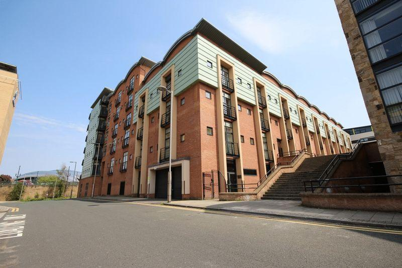 3 Bedrooms Apartment Flat for rent in Curzon Place, Gateshead