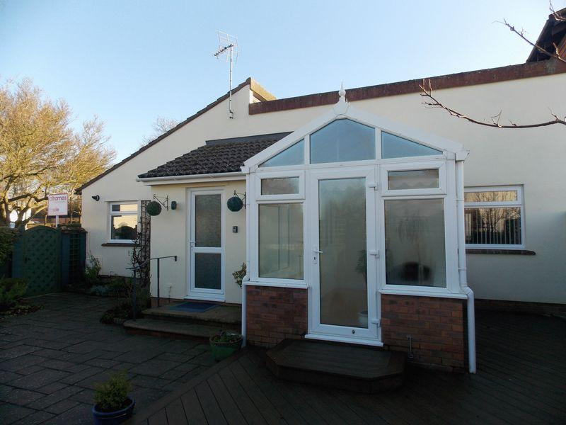 2 Bedrooms Semi Detached Bungalow for sale in Peddars Close, Ixworth
