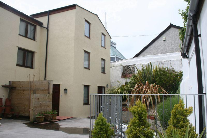 1 Bedroom Semi Detached House for rent in Holyhead, Anglesey