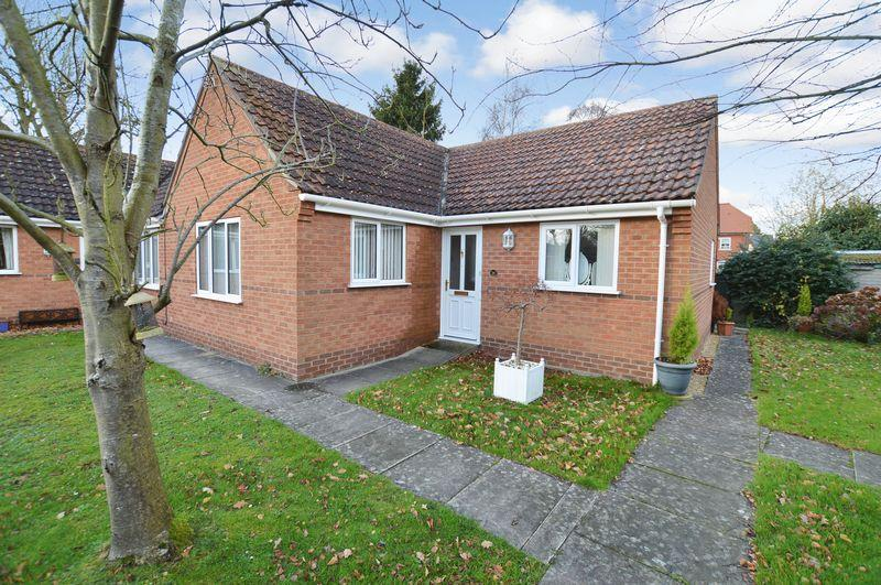 2 Bedrooms Bungalow for sale in 16 Oaklands, Woodhall Spa